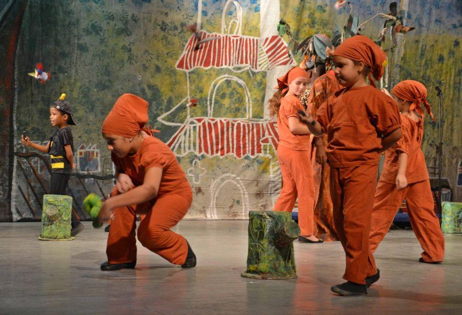 Colmenira, Sancti Spíritus, niños, colmenita de romerillo, teatro principal