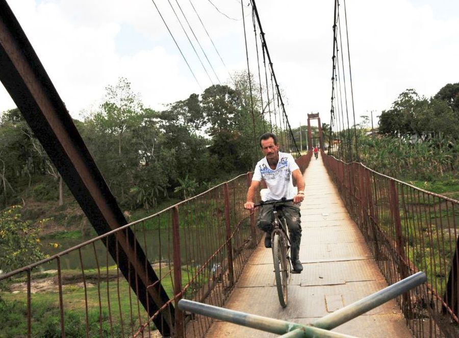 sancti spiritus, fomento, Agabama, puente colgante