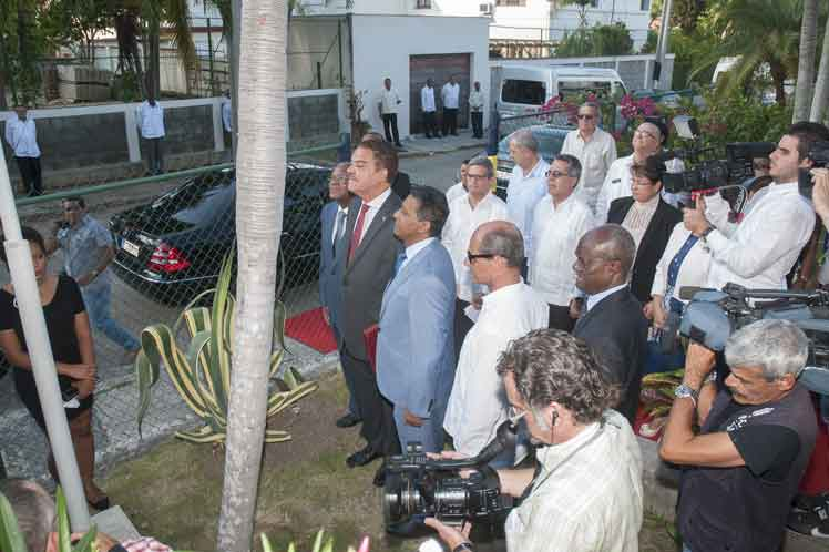 Cuba, Seychelles, Minrex