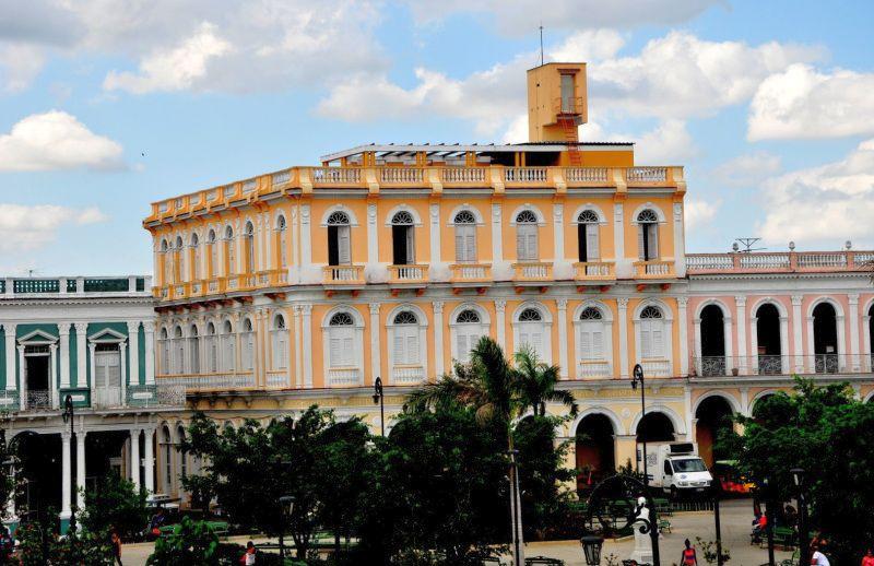 sancti spiritus, patrimonio, parque serafin sanchez, hotel perla de cuba, monumentos, trd caribe