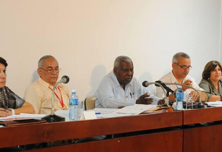 cuba, asamblea nacional del poder popular, parlamento cubano, VV congreso del partido comunista de cuba, pcc, raul castro, esteban lazo