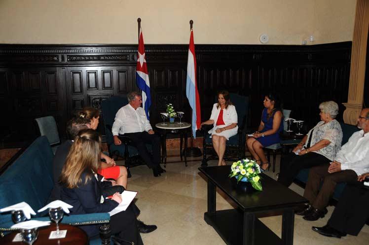 Cuba, Luxemburgo, Parlamento