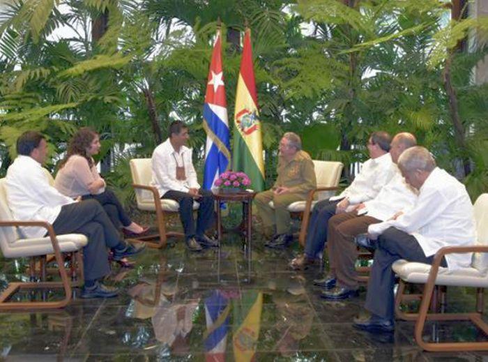 Cuba, Bolivia, Raúl Castro