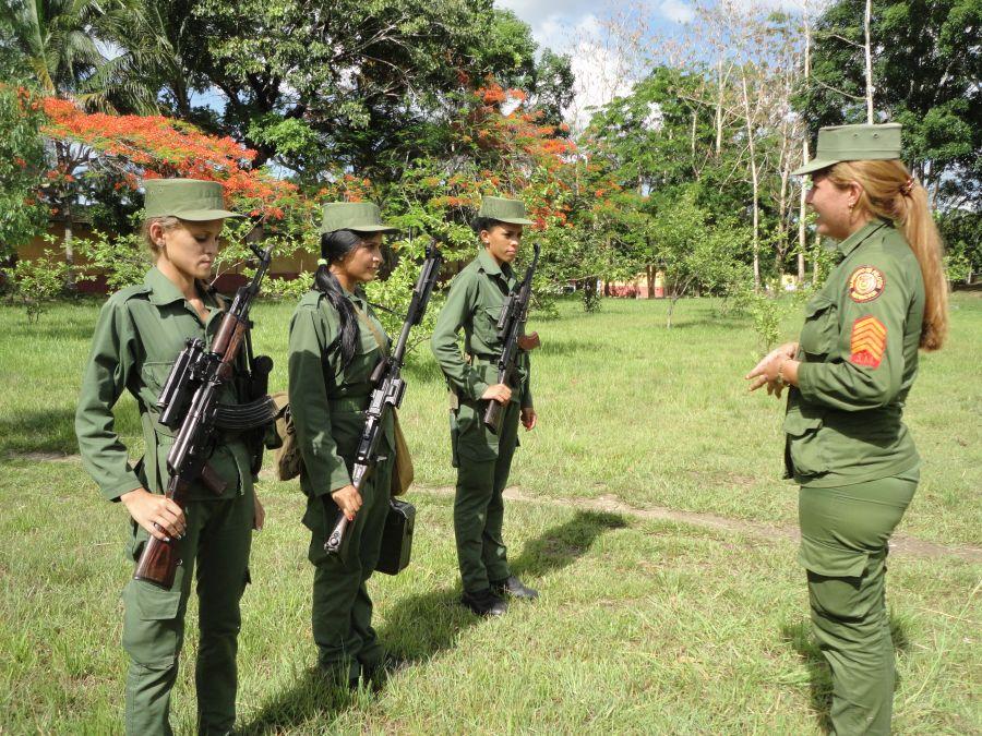 sancti spiritus, servicio militar voluntario femenino, smvf, fuerzas armadas revolucionarias, far