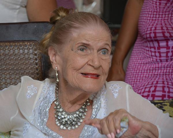 Carilda Oliver, Raúl Castro, Literatura