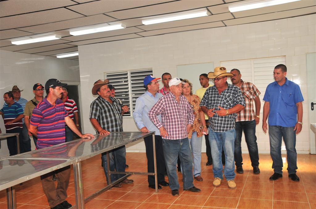Sancti Spíritus, Machado Ventura, recorrido, Cuba, ganadería, matadero