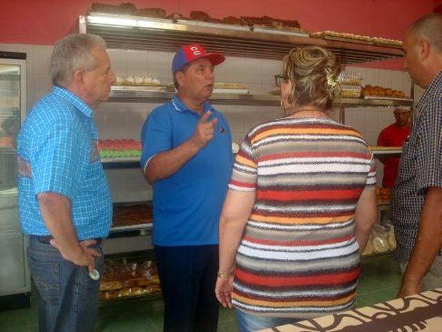 sancti spiritus, 26 de julio, comercio y gastronomia