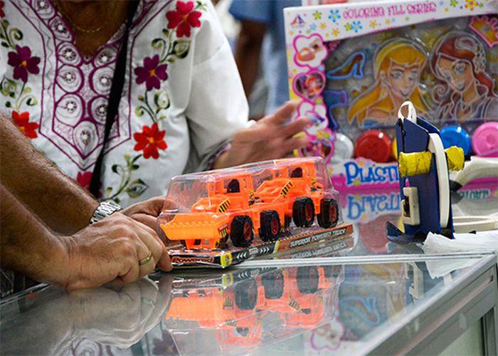 cuba, asamblea nacional del poder popular, diputados cubanos, infancia, niños y niñas, juguetes, ministerio de finanzas y precios, comercio interior