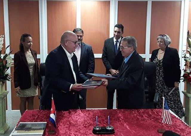 Cuba y Autoridades portuarias de Houston suscriben memorando de cooperación comercial