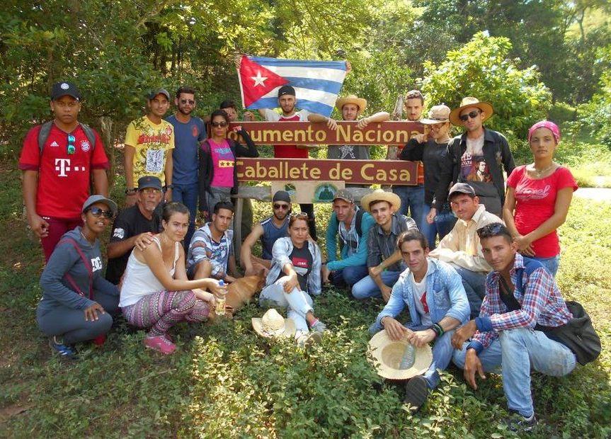 Jóvenes cubanos siguen la ruta del Che