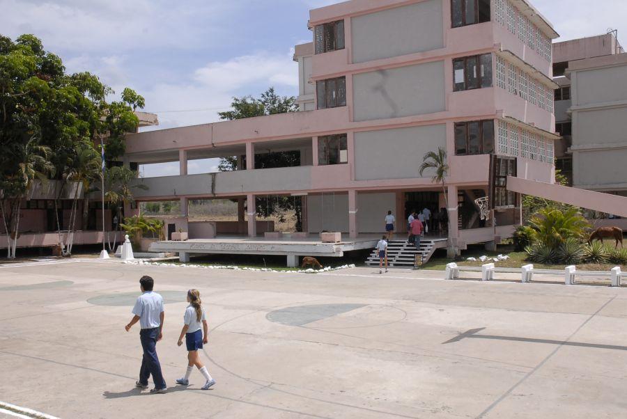 sancti spiritus, huracan irma, centro educacionales, consejo de defensa, evacuados