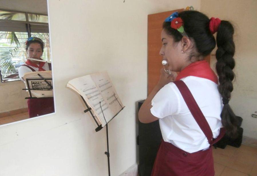 sancti spiritus, cultura, enseñanza artisitica, instrumentos musicales, bloqueo de eeuu a cuba
