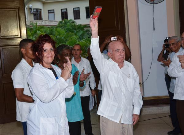 Raúl Castr, estudiantes, medicina, Moneda