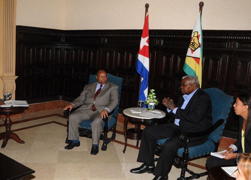 cuba, parlamento cubano, zimbabwe, esteban lazo