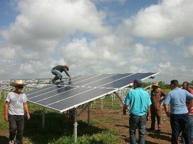 sancti spiritus, empresa electrica, paneles fotovoltaico, parque solar