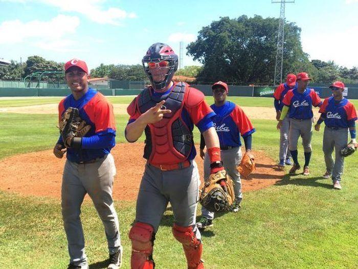 Panamá debuta con pie derecho en Panamericano de béisbol sub-23