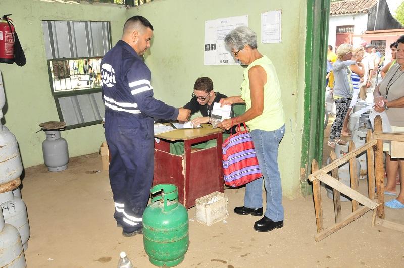 gas liberado, Colón, Sancti Spíritus, refinería