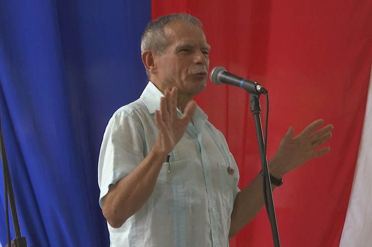 Oscar López Rivera, Cuba, Puerto Rico