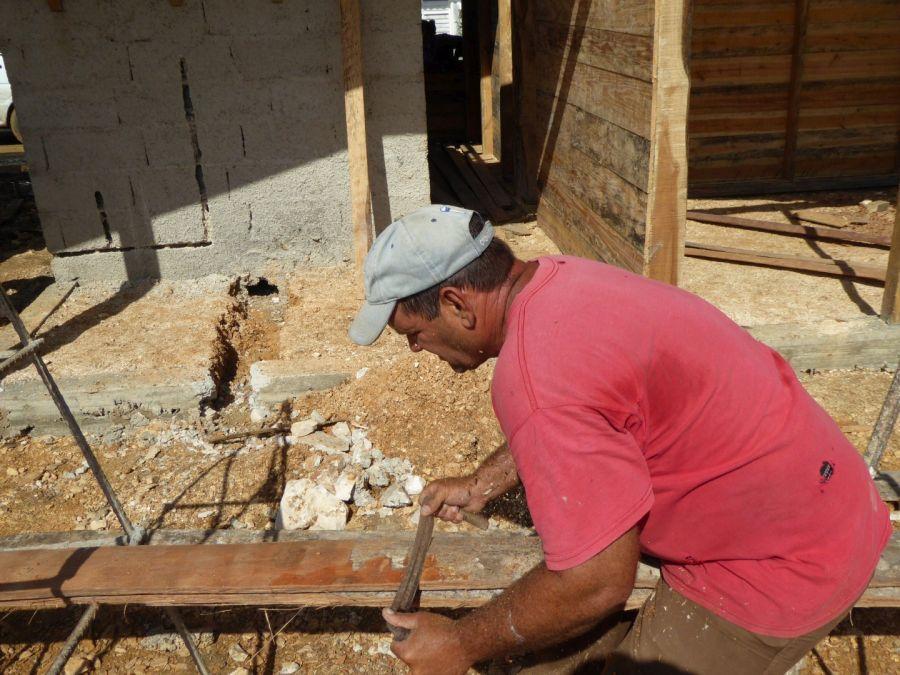 sancti spiritus, yaguajat, viviendas, huracan irma, construccion de viviendas, casas de tabla de palma