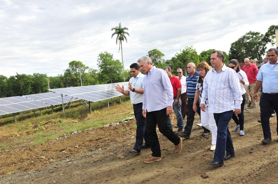 sancti spiritus, miguel diaz-canel, construccion de viviendas, yaguajay, huracan irma, parque fotovoltaico