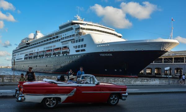 Atraca en La Habana crucero estadounidense