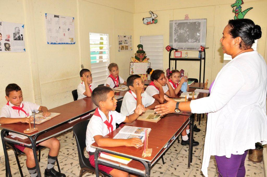 sancti spiritus, enseñanza especial, siguaney, educacion, dia del educador
