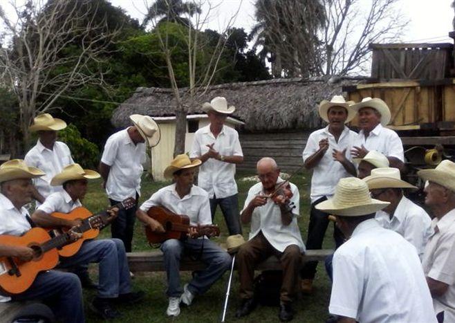 sancti spiritus, cultura, parranda tipica de arroyo blanco, musica campesina