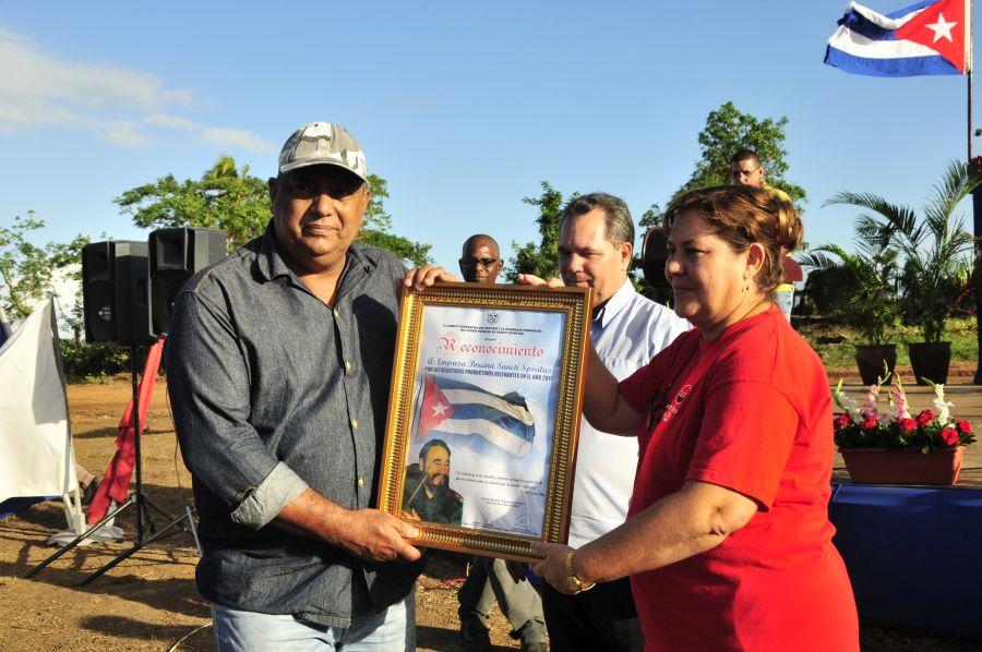 sancti spiritus, revolucion cubana, yaguajay, trabajo voluntario