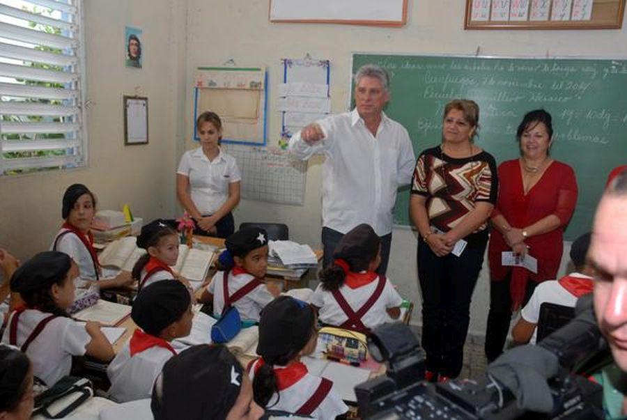cuba, dia del educador, educacion cubana, miguel diaz-canel
