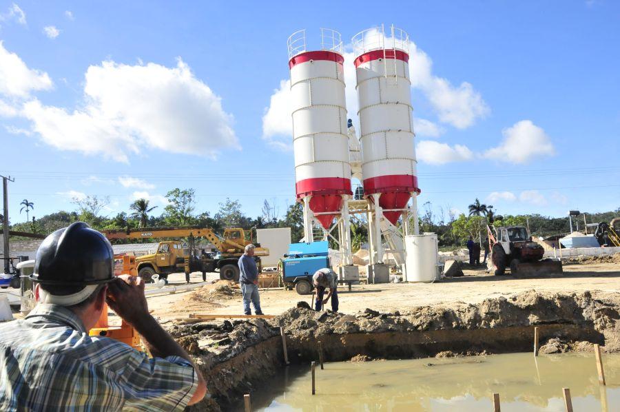 Sancti spiritus, yaguajay, huracán irma, petrocasas, empresa de construcción y montaje, batching plant, hormigón hidraulico