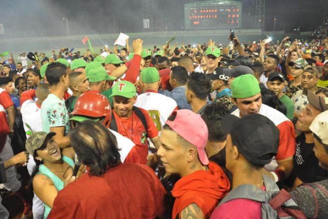 béisbol, play off, Las Tunas, Industriales, Cuba
