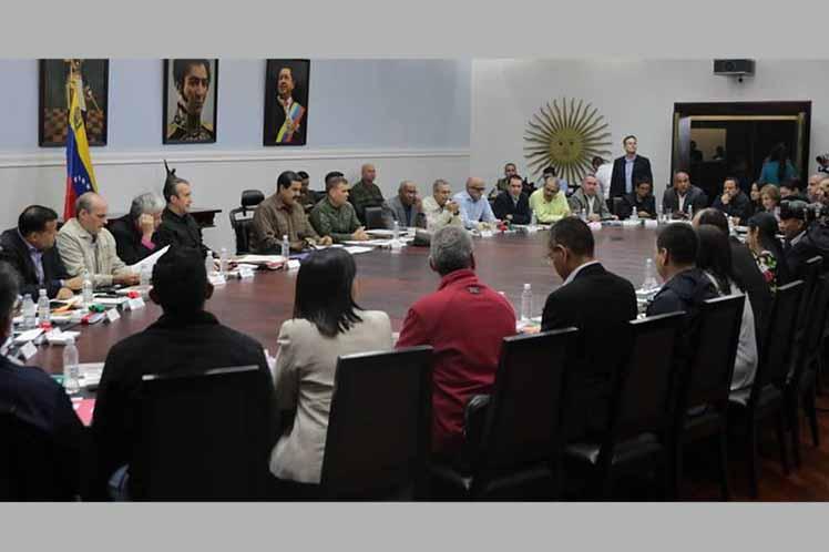 Nicolás Maduro, Venezuela, Petro