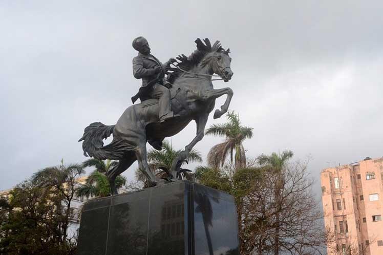 José Martí, Eusebio Leal, homenaje, estatua