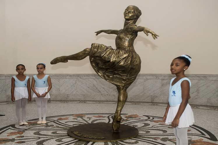 Alicia Alonso, estatua, ballet, Cuba