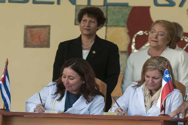 Cuba, Chile, Michelle Bachelet