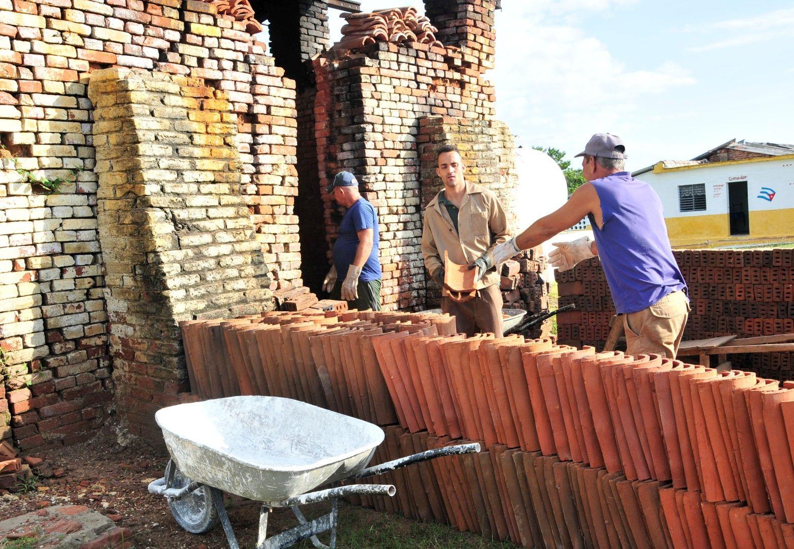 sancti spiritus, construccion de viviendas, huracan irma, yaguajay, materiales de la construccion