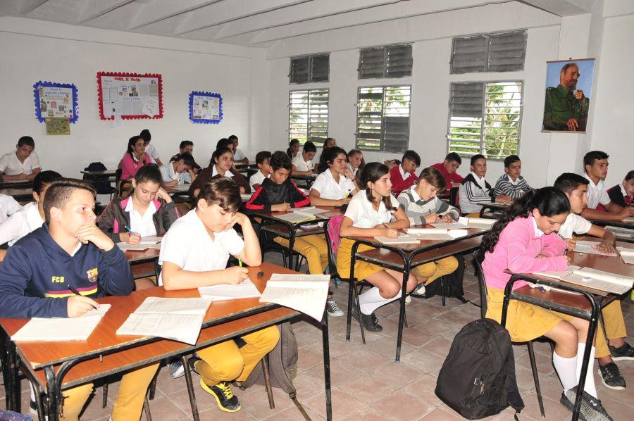 sancti spiritus, zaza del medio, educacion, enseñanza secundaria basica, reparacion de centros educacionales