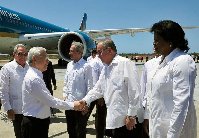 Raúl Castro y Nguyen Phu Trong visitan Santiago de Cuba