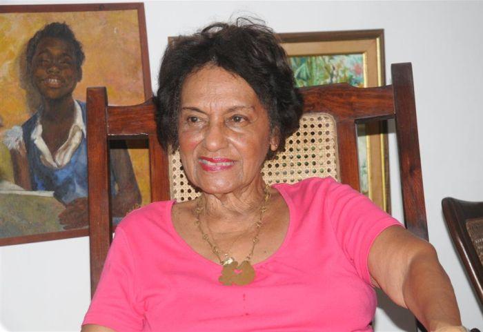 Agasajan a intelectual cubana Marta Rojas en su cumpleaños 90