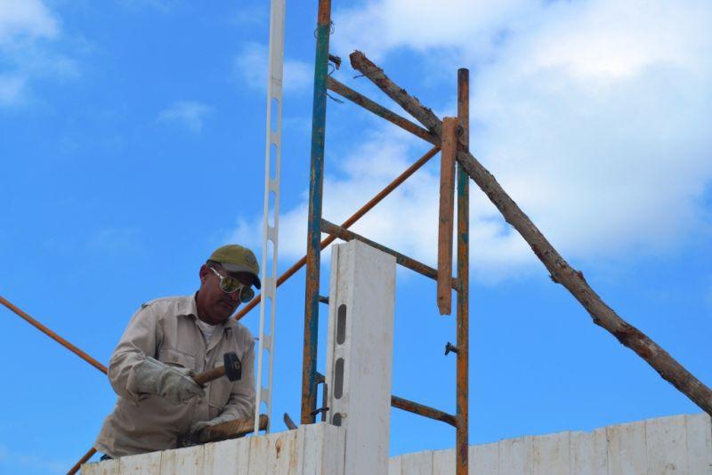 yaguajay, petrocasas, huracan irma, construccion de viviendas
