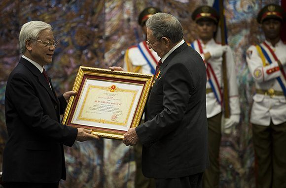 Cuba, Vietnam, Raúl Castro