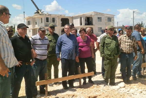 sancti spiritus, construccion de viviendas, joaquin quintas sola, yaguajay, huracan irma