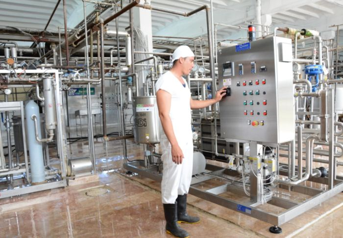 sancti spiritus, leche, acopio de leche, empresa de productos lacteos rio zaza