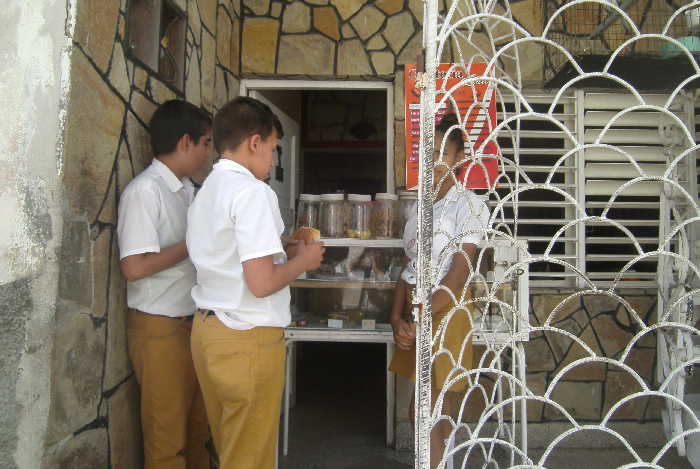 sancti spiritus, merienda escolar, enseñanza secundaria basica, educacion