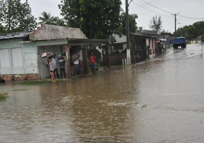 sancti spiritus, intensas lluvias en sancti spiritus, presa zaza, recursos hidraulicos, ramon pardo guerra, defensa civil