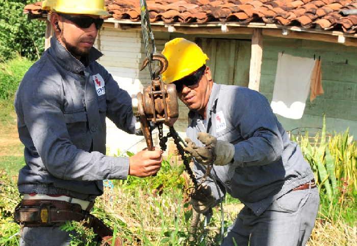 sancti spiritus, empresa electrica, electricidad, brigada de construccion y mantenimiento
