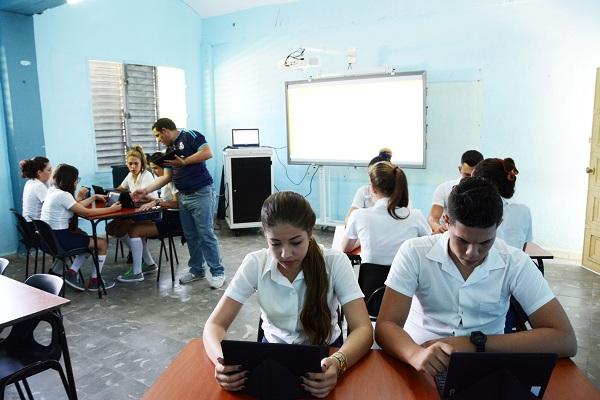 educación, aulas tecnológicas, informática