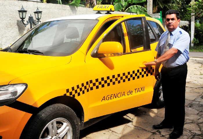 sancti spiritus, heroe del trabajo de la republica de cuba, agencia de taxi