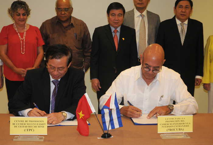 Cuba and Vietnam Sign Five Commercial Agreements