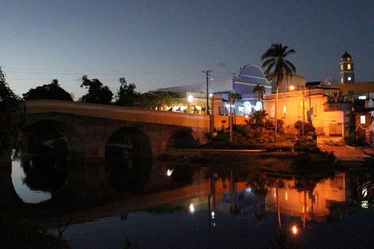 Sancti Spíritus, puente, teatro principal, río Yayabo